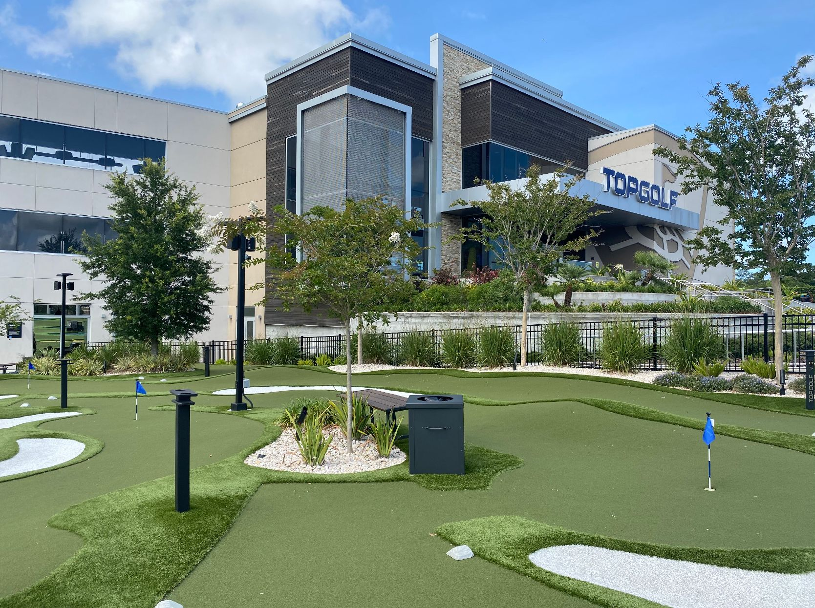 Topgolf JAcksonville putting turf by synlawn